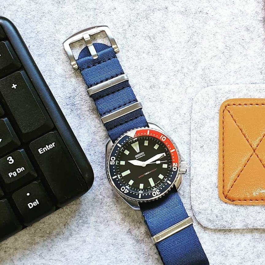 Urban Di Lusso Premoum Seatbelt NATO Strap Royal Blue